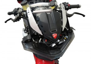 Ducati Panigale V4 FHR on bike4